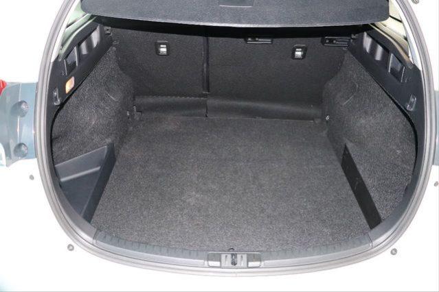 TOYOTA Auris 1.8 140H Active Touring Sports 5p. – Híbrido lleno