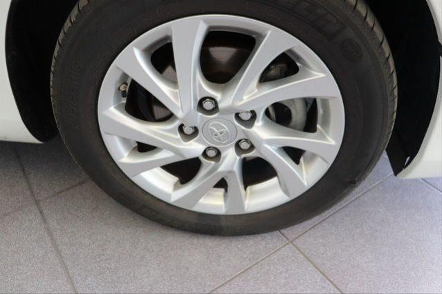 TOYOTA Auris 1.8 140H Active Touring Sports 5p. – Híbrido