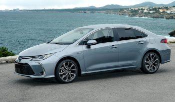 Toyota Corolla Sedan lleno